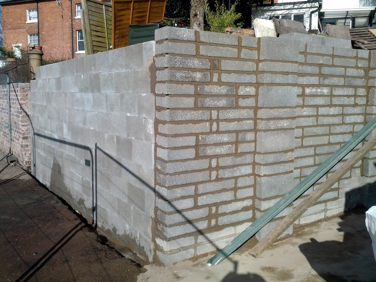 retaining-wall-house-in-worcester-3