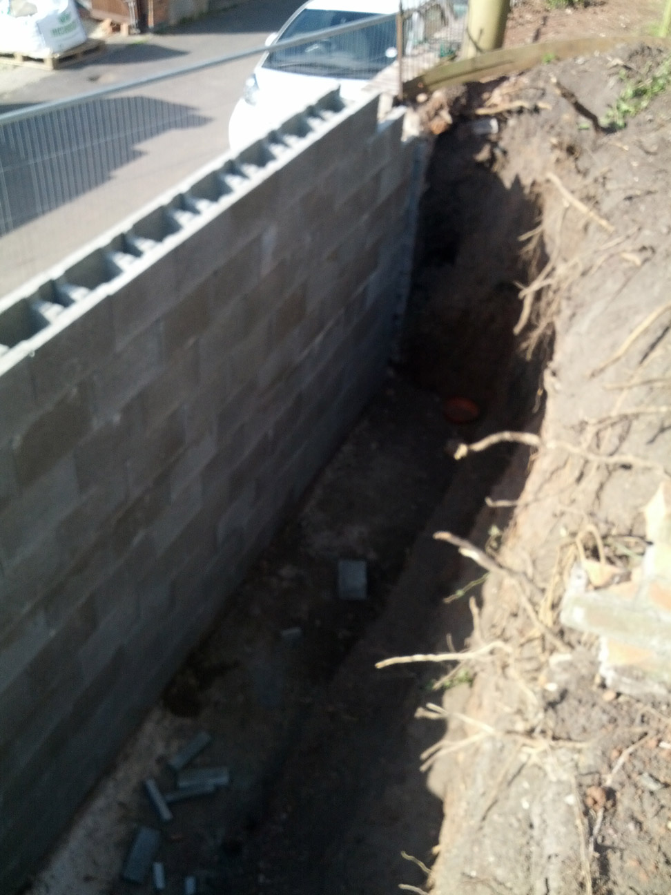 retaining-wall-house-in-worcester-4